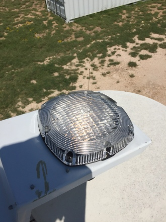 New sealed beam and lens